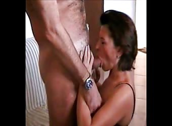 Italianmilf Sucks A New Friend